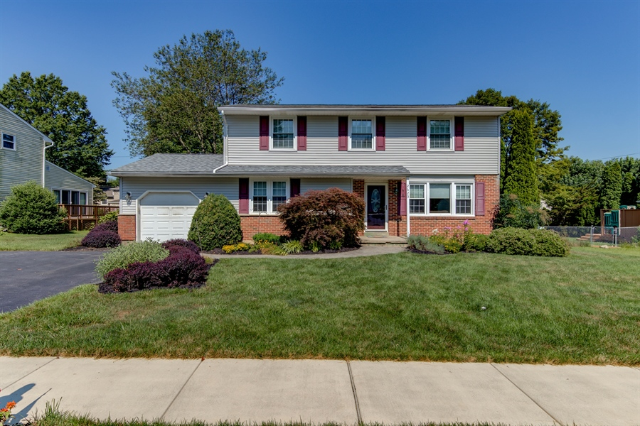 Real Estate Photography - 2623 Dartmouth Woods Rd, Wilmington, DE, 19810 - Location 2