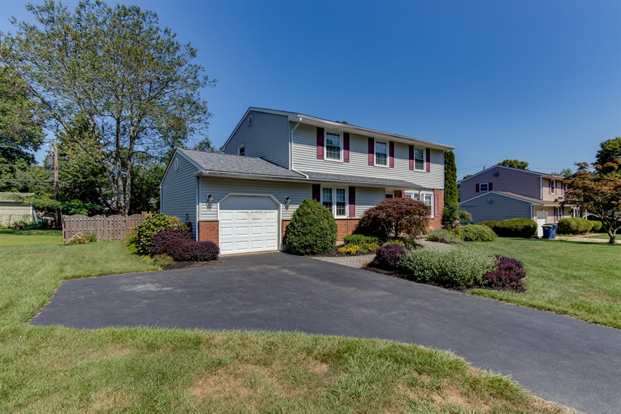 Real Estate Photography - 2623 Dartmouth Woods Rd, Wilmington, DE, 19810 - Location 3