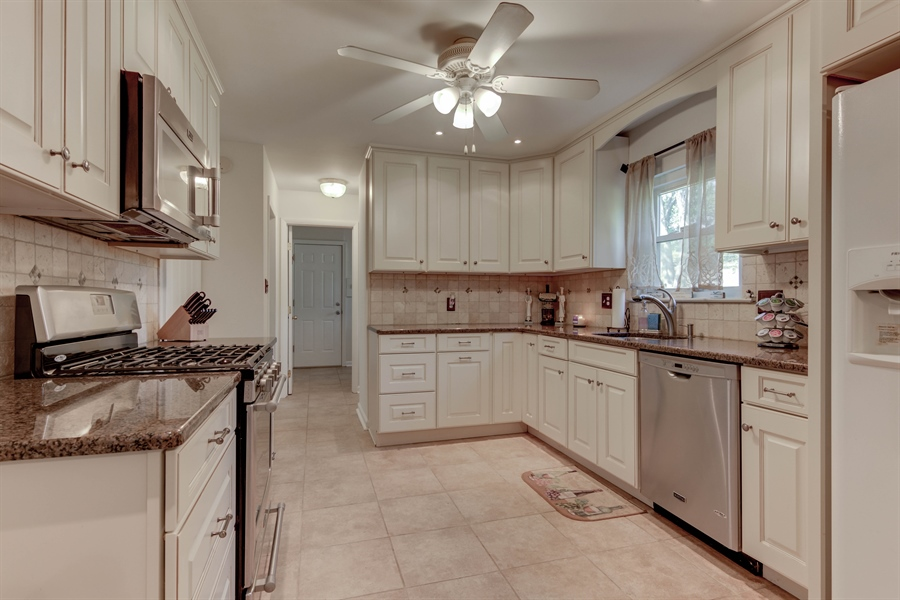 Real Estate Photography - 2623 Dartmouth Woods Rd, Wilmington, DE, 19810 - Location 9