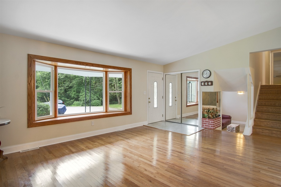 Real Estate Photography - 2129 Largo Rd, Wilmington, DE, 19803 - Living room