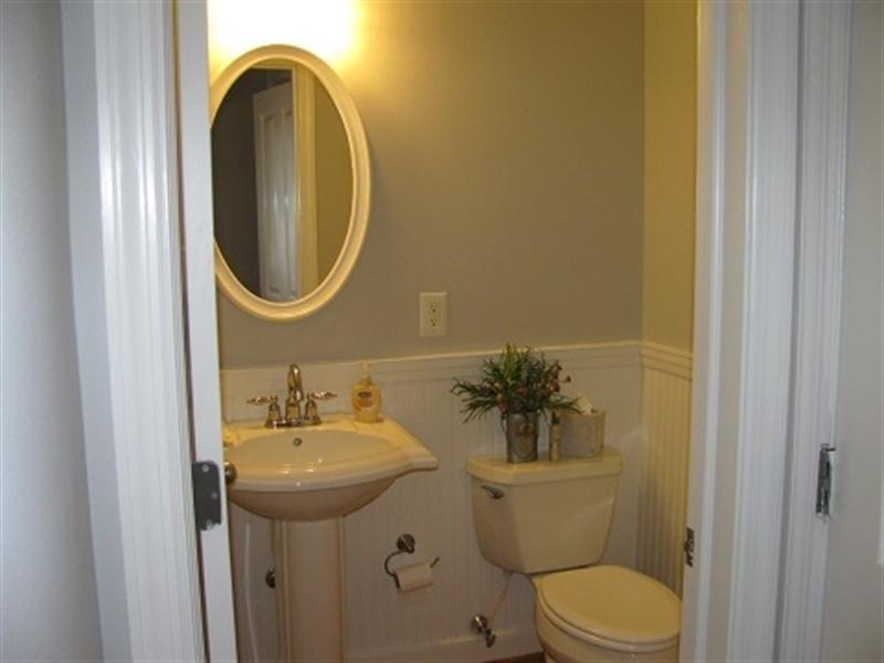 Real Estate Photography - 1911 Lovering Ave, Wilmington, DE, 19806 - Main bedroom