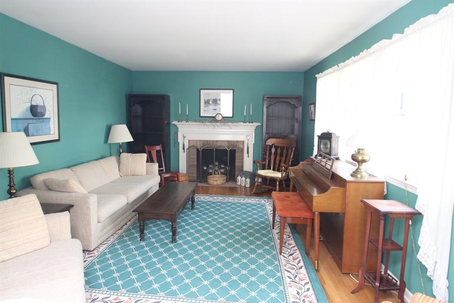 Real Estate Photography - 7 Balanger Rd, Newark, DE, 19711 - Living Room