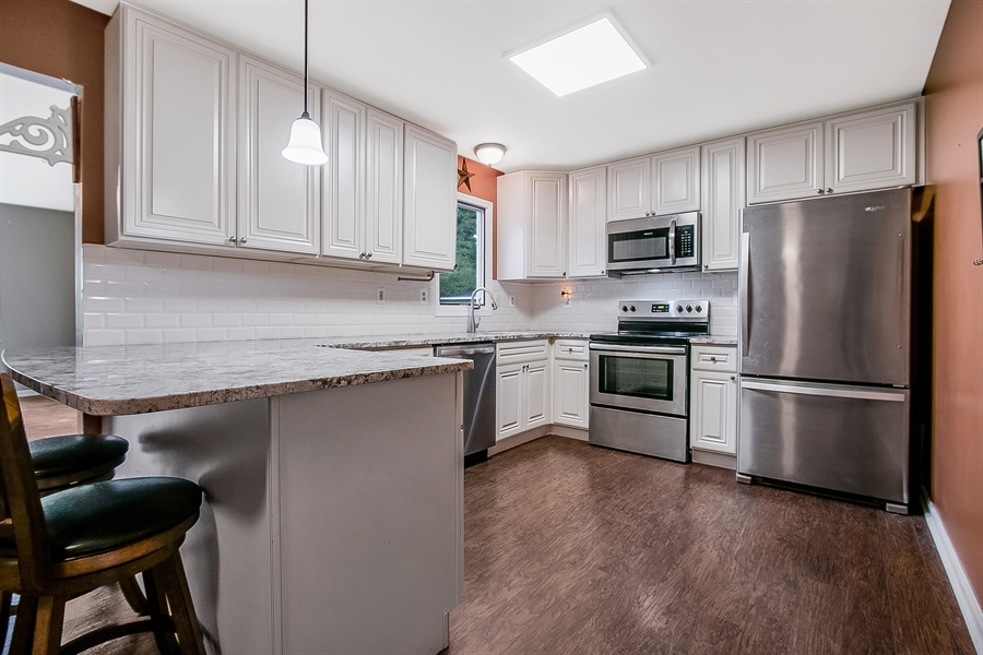 Real Estate Photography - 1715 Pennrock Rd, Wilmington, DE, 19809 - Stainless Steel appliances included