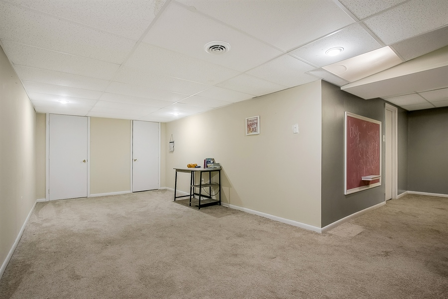 Real Estate Photography - 1715 Pennrock Rd, Wilmington, DE, 19809 - lower level family room