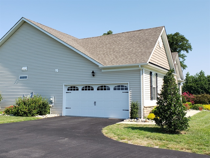 Real Estate Photography - 7771 Clydesdale Ct, Milford, DE, 19963 - 2-car garage