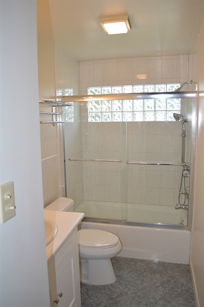 Real Estate Photography - 2403 McCawber Dr, Wilmington, DE, 19808 - Beautiful Updated Bathroom