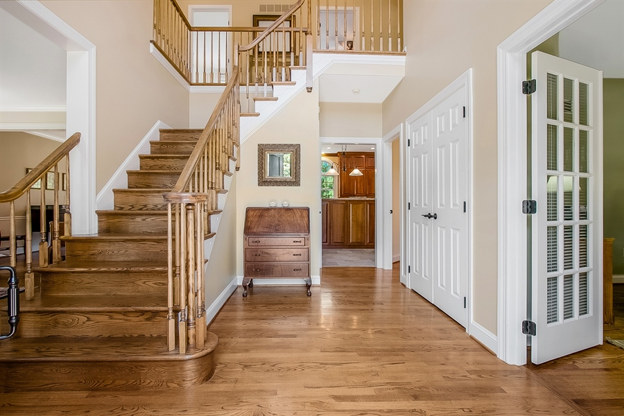 Real Estate Photography - 204 S Pond Rd, Hockessin, DE, 19707 - Welcoming Two Story Entrance Foyer