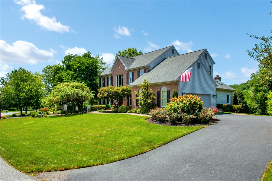 Real Estate Photography - 204 S Pond Rd, Hockessin, DE, 19707 - Front of Home with Driveway