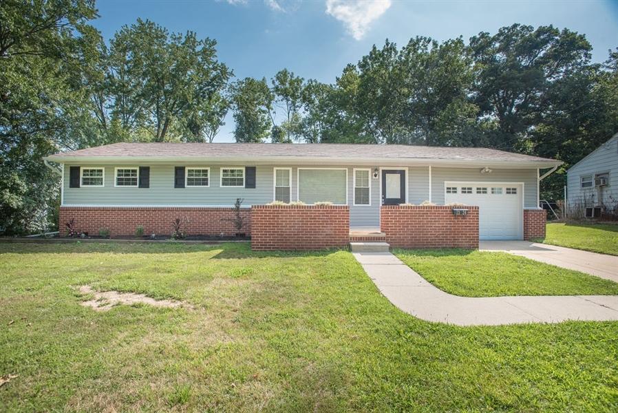 Real Estate Photography - 2324 Farrand Dr, Wilmington, DE, 19808 - Location 1