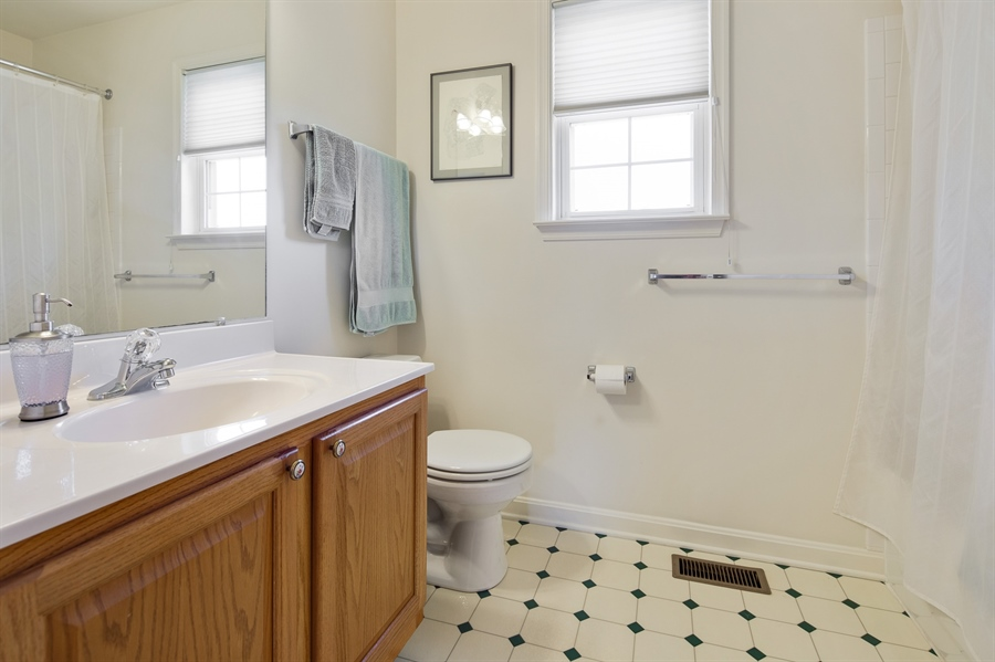 Real Estate Photography - 156 Long Dr, Elkton, MD, 21921 - Hall Bath