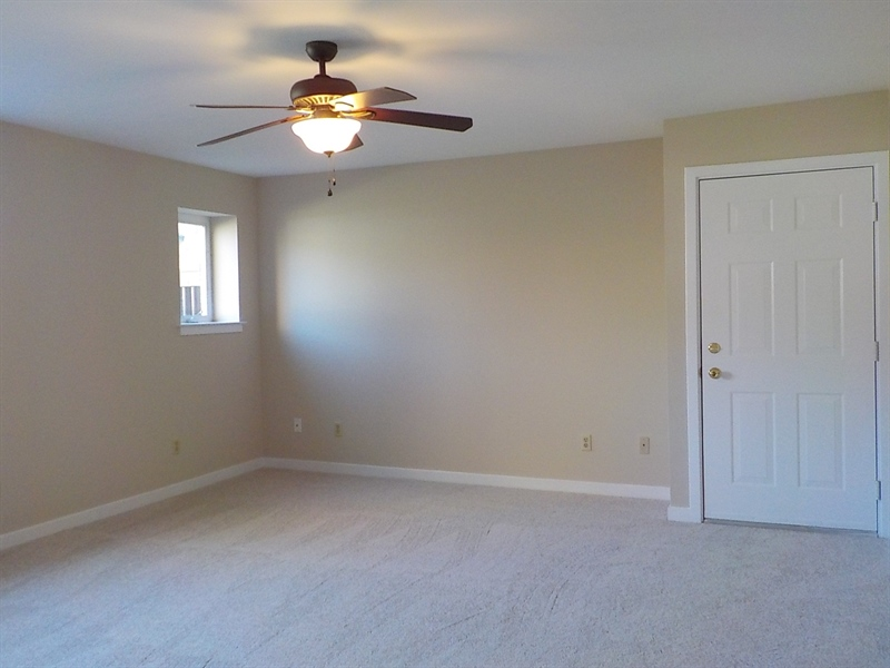 Real Estate Photography - 6702 Pleasant Ct, Wilmington, DE, 19802 - Living Room