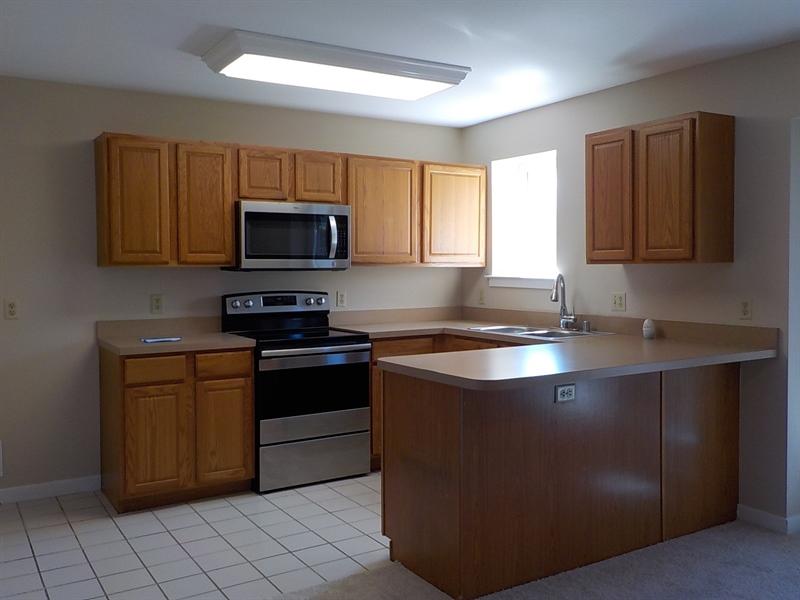 Real Estate Photography - 6702 Pleasant Ct, Wilmington, DE, 19802 - Kitchen