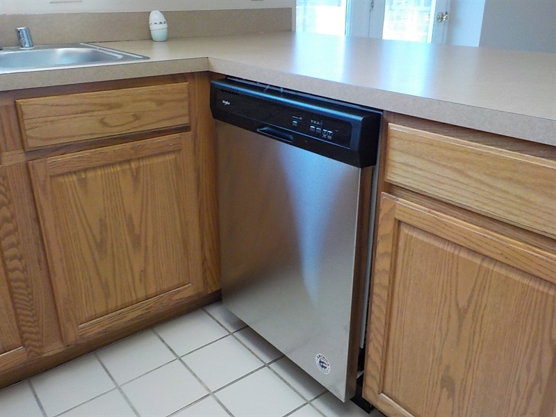 Real Estate Photography - 6702 Pleasant Ct, Wilmington, DE, 19802 - New Dishwasher