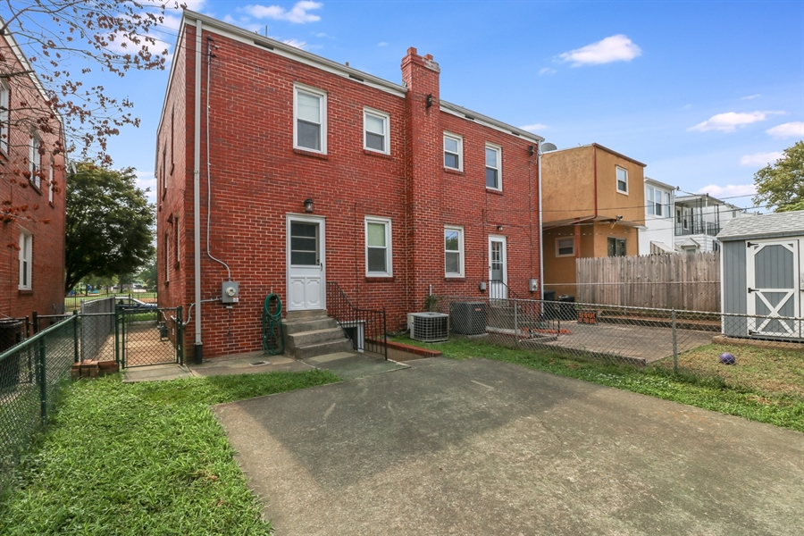 Real Estate Photography - 409 S Dupont St, Wilmington, DE, 19805 - Location 21