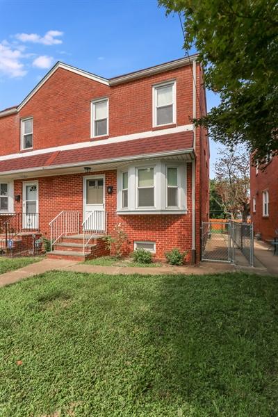 Real Estate Photography - 409 S Dupont St, Wilmington, DE, 19805 - Location 23