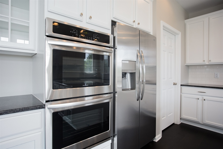 Real Estate Photography - 723 Wood Duck Ct, Middletown, DE, 19709 - Stailess Steel Appliances