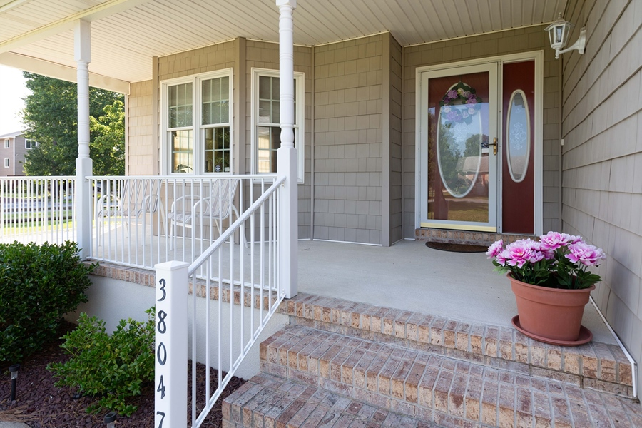 Real Estate Photography - 38047 Creekside Cir, Ocean View, DE, 19970 - Attractive Front Porch