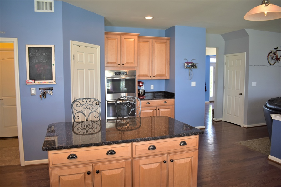 Real Estate Photography - 503 Maiden Ct, Middletown, DE, 19709 - Gorgeous Island Offers More Prep Space