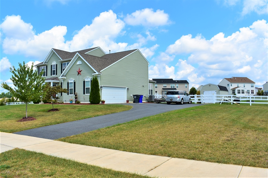 Real Estate Photography - 503 Maiden Ct, Middletown, DE, 19709 - Side Garage View
