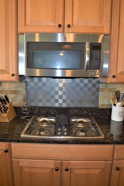 Real Estate Photography - 503 Maiden Ct, Middletown, DE, 19709 - Stainless Microwave & Stove