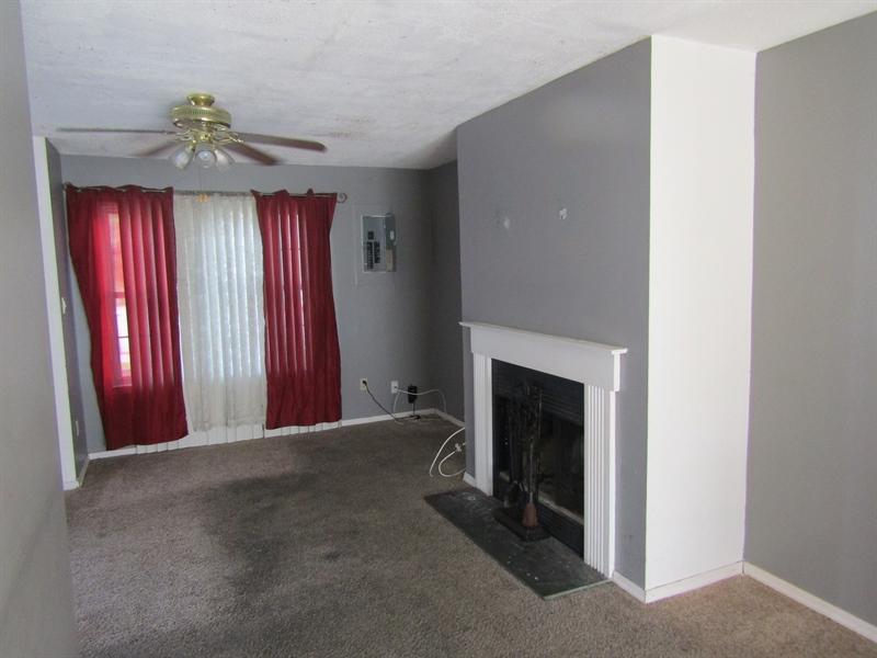 Real Estate Photography - 11 Schuyler Ct, Newark, DE, 19702 - Living Room w/Gas Fireplace