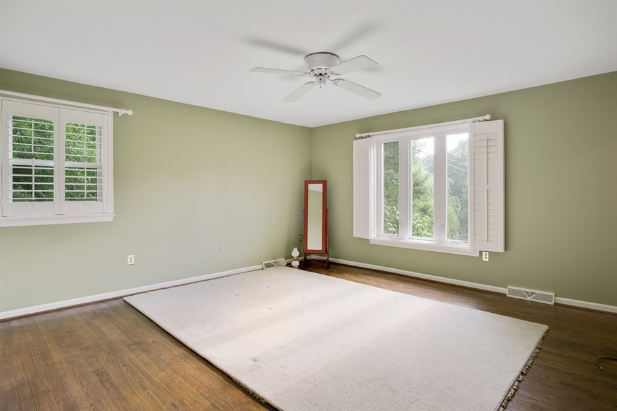 Real Estate Photography - 200 Saturn Dr, Newark, DE, 19711 - Master Suite w/ Walk In Closet and Full Bath.