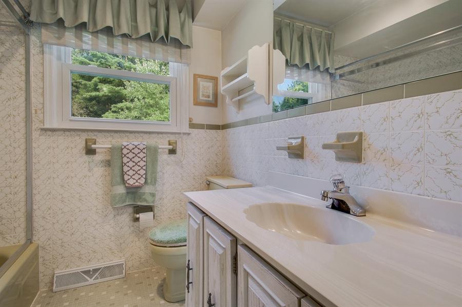 Real Estate Photography - 200 Saturn Dr, Newark, DE, 19711 - Full Hall Bath with Tub Shower.