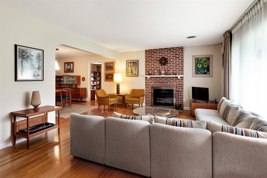 Real Estate Photography - 7 Council Trl, Wilmington, DE, 19810 - Gleaming hardwood floors throughout first floor