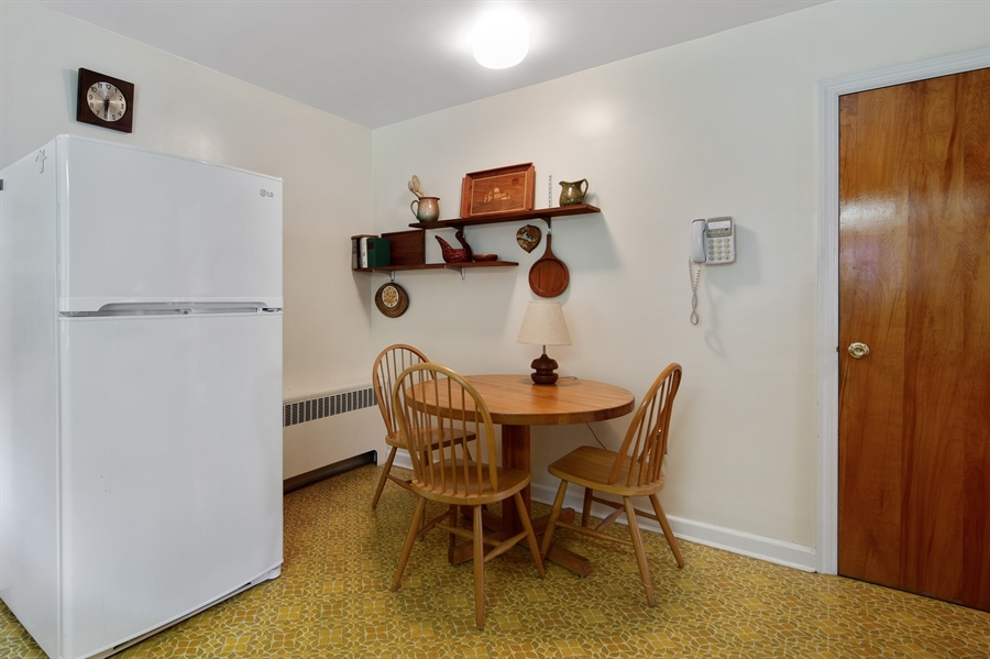 Real Estate Photography - 7 Council Trl, Wilmington, DE, 19810 - Refrigerator, washer & dryer included