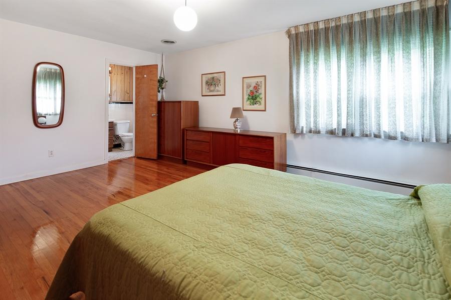 Real Estate Photography - 7 Council Trl, Wilmington, DE, 19810 - Master bedroom