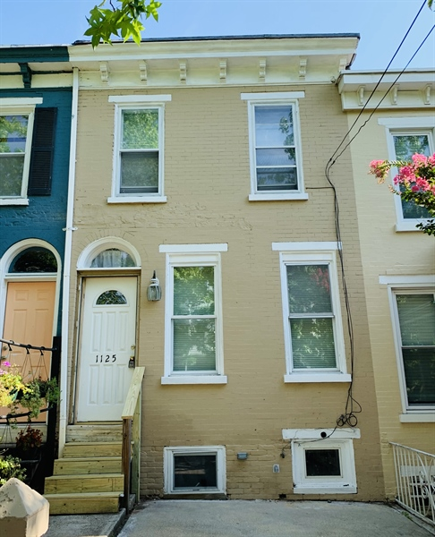 Real Estate Photography - 1125 W 7th St, Wilmington, DE, 19805 - Location 1