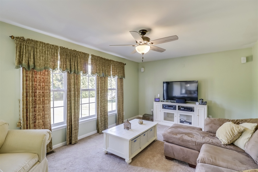 Real Estate Photography - 8 W Minglewood Dr, Middletown, DE, 19709 - Family Room