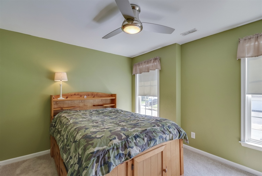 Real Estate Photography - 8 W Minglewood Dr, Middletown, DE, 19709 - Secondary Bedroom