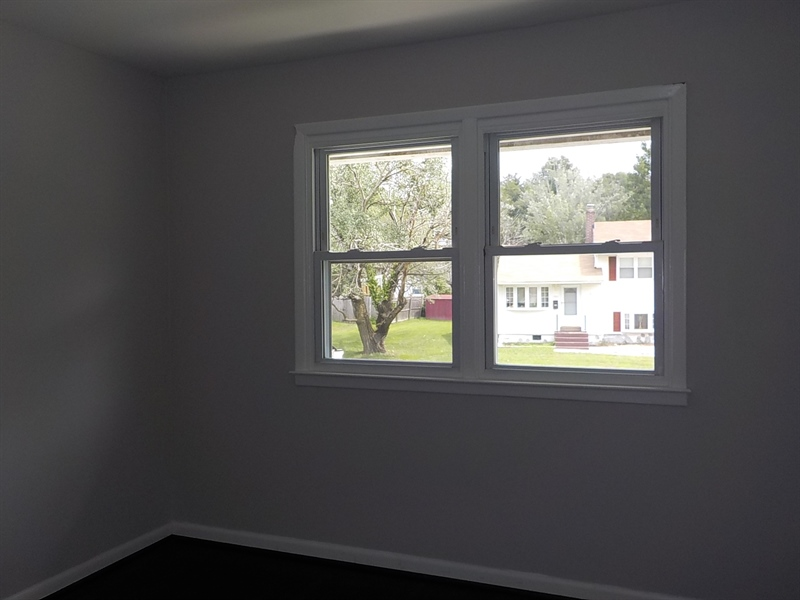 Real Estate Photography - 1300 Kenwood Rd, Wilmington, DE, 19805 - Bedroom 1