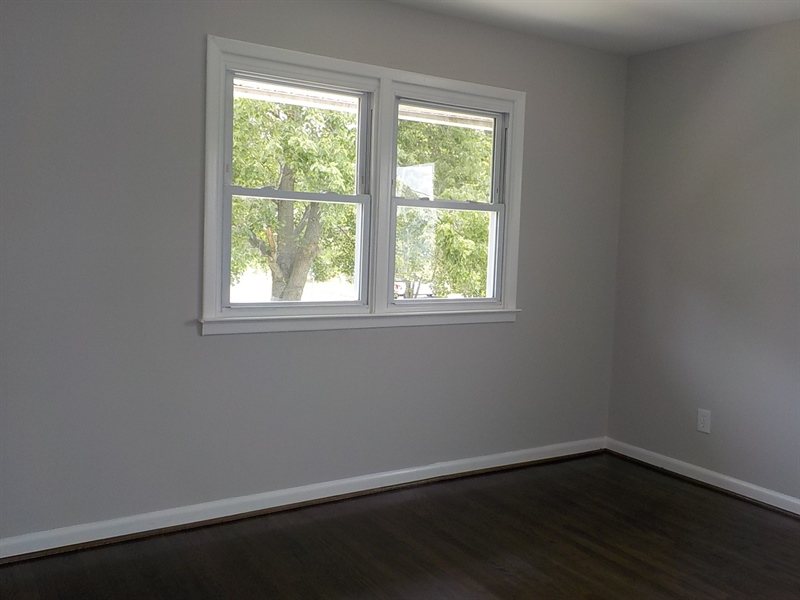 Real Estate Photography - 1300 Kenwood Rd, Wilmington, DE, 19805 - Bedroom 2