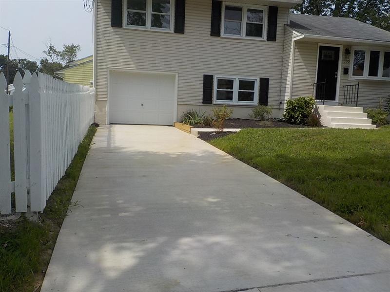 Real Estate Photography - 1300 Kenwood Rd, Wilmington, DE, 19805 - New Concrete Driveway