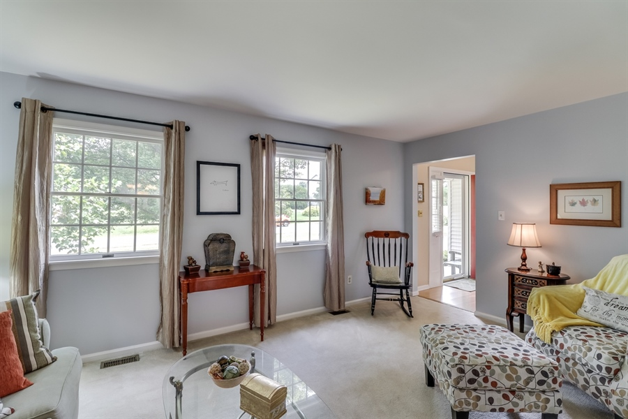 Real Estate Photography - 15 Stratton Cir, Elkton, MD, 21921 - Living Room