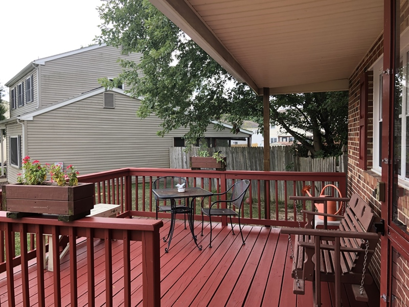 Real Estate Photography - 240 Tinsley Ct, Newark, DE, 19702 - Deck in front for more outdoor space