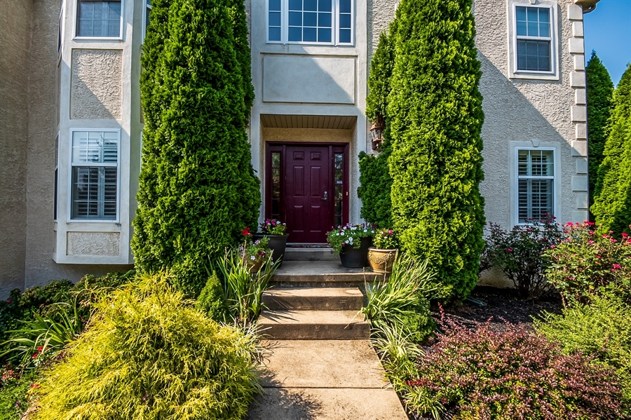 Real Estate Photography - 2 Lynam Lookout Dr, Newark, DE, 19702 - Custom hardscaping leads to the front door....