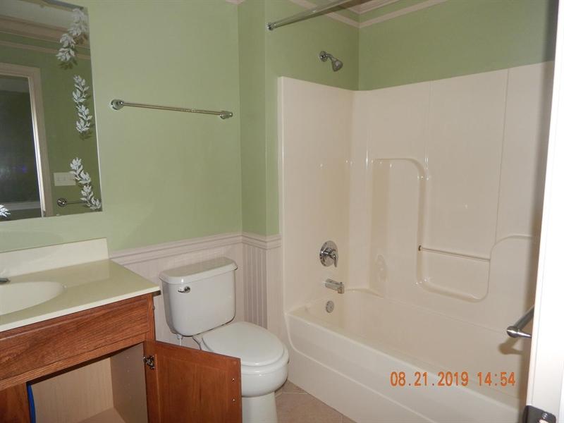 Real Estate Photography - 219 Wheatsheaf Ln, Smyrna, DE, 19977 - 2nd FLOOR BATH