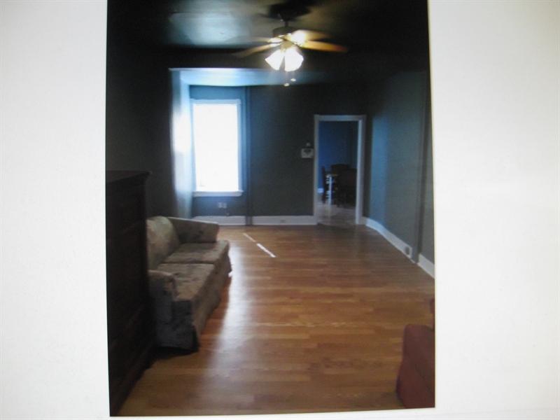 Real Estate Photography - 2410 Lamotte St, Wilmington, DE, 19802 - Large Living Room