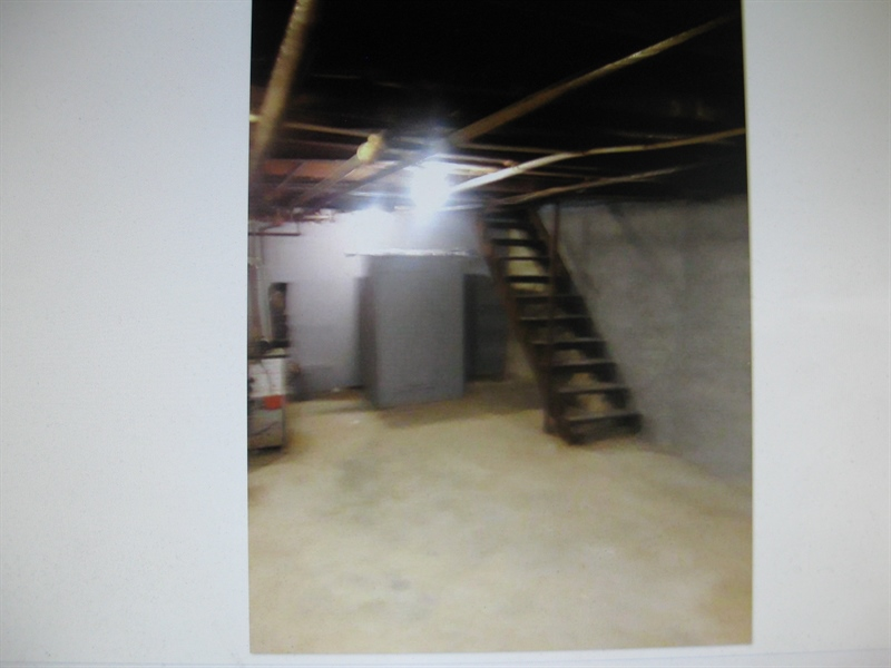 Real Estate Photography - 2410 Lamotte St, Wilmington, DE, 19802 - Nice Clean Basement