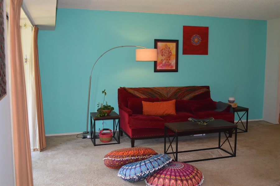 Real Estate Photography - 72 Welsh Tract Rd, Newark, DE, 19713 - Cozy Living Room w/ Carpet