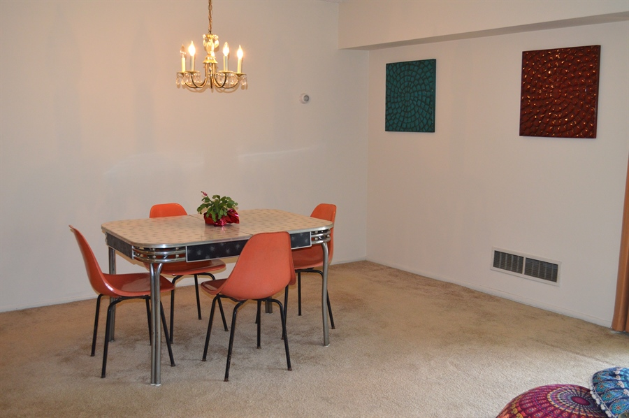 Real Estate Photography - 72 Welsh Tract Rd, Newark, DE, 19713 - Dining Area w/ Carpet