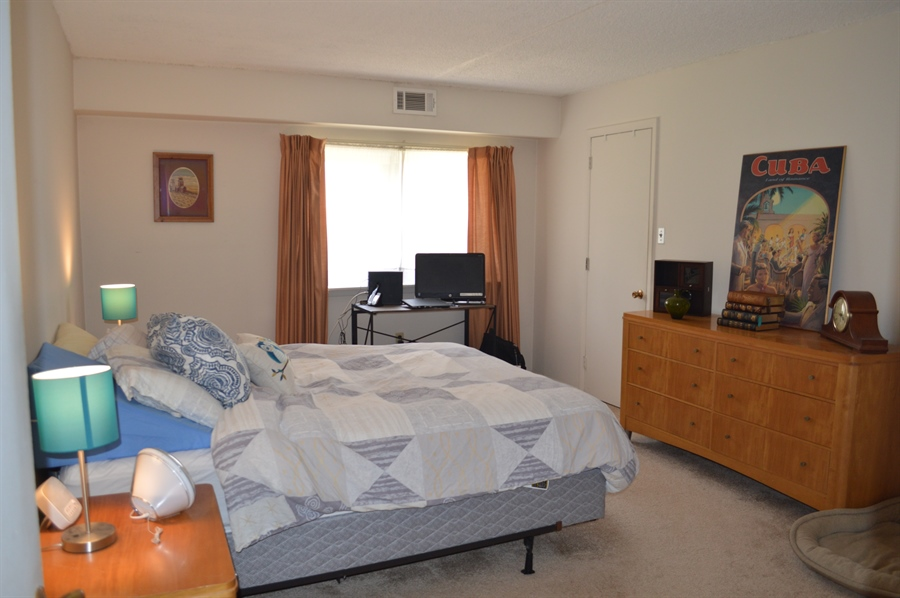Real Estate Photography - 72 Welsh Tract Rd, Newark, DE, 19713 - Large Master Bedroom w/ Carpet