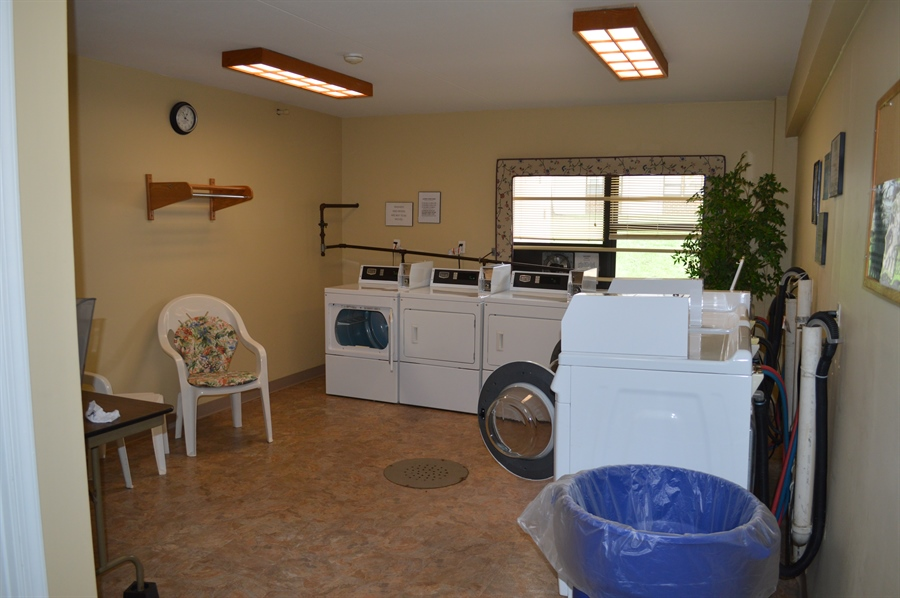 Real Estate Photography - 72 Welsh Tract Rd, Newark, DE, 19713 - View of Community Laundry in the Building