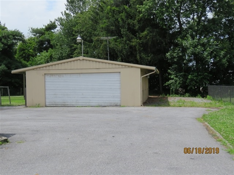 Real Estate Photography - 21750 Maple Dr, Seaford, DE, 19973 - Detached Garage