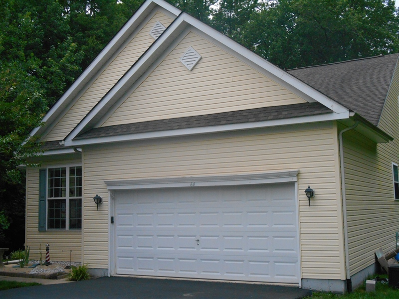 Real Estate Photography - 64 Buntings Mill Ct, Selbyville, DE, 19975 - Garage
