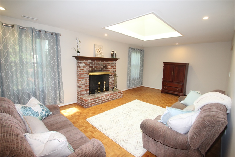 Real Estate Photography - 2307 Andys Ln, Wilmington, DE, 19810 - Living Room