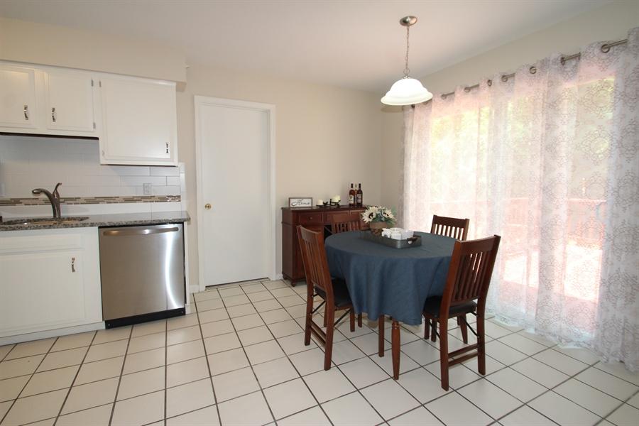 Real Estate Photography - 2307 Andys Ln, Wilmington, DE, 19810 - Kitchen